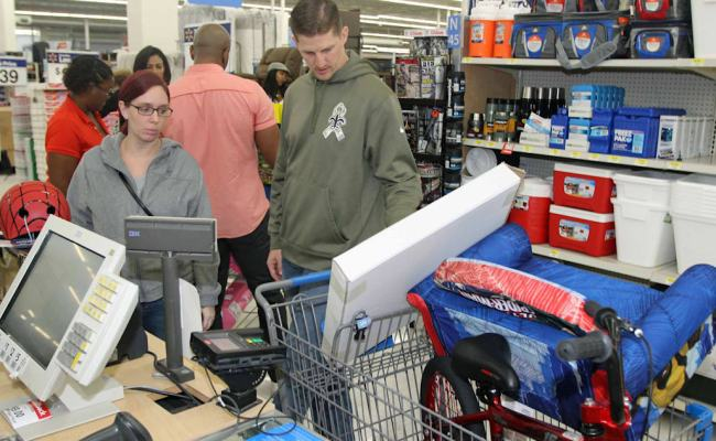 Walmart Promises 30 Second Returns In Stores Aol Finance