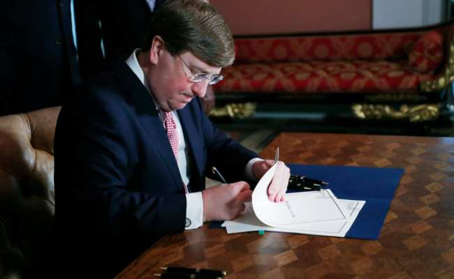 With A Pen Stroke Mississippi Drops Confederate Flag