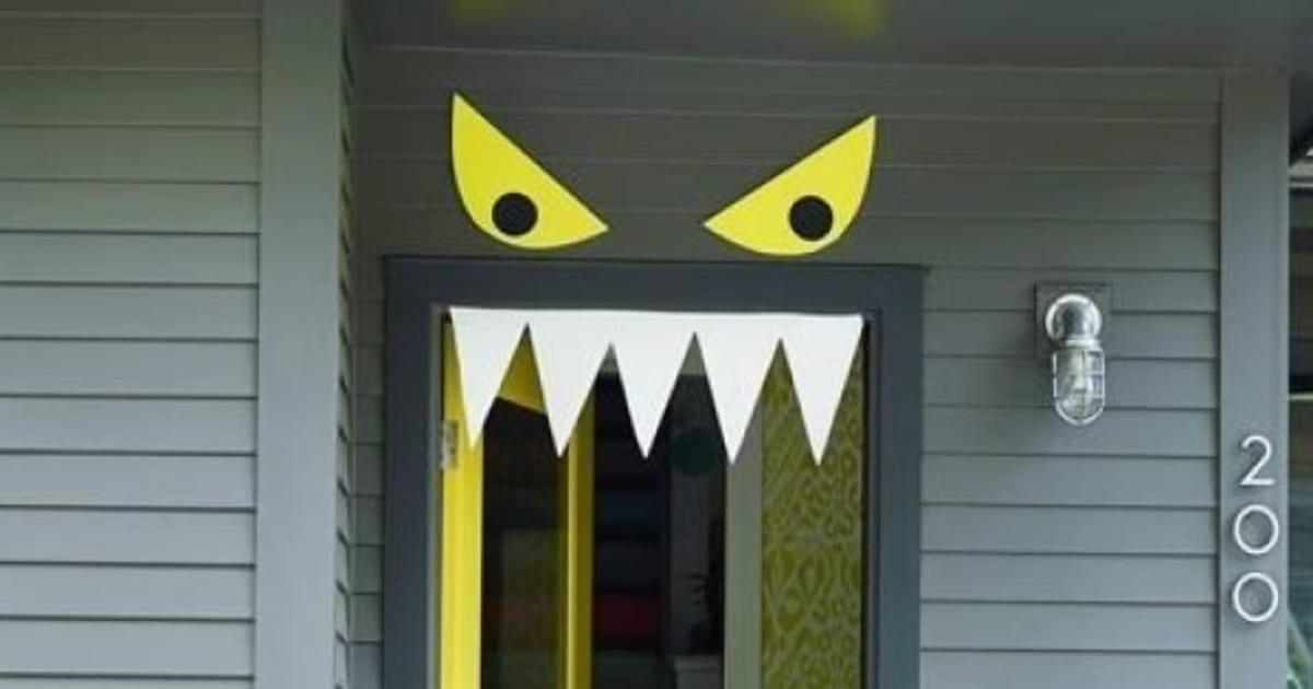 9 Easy, DIY Halloween Door Decorations For This Month