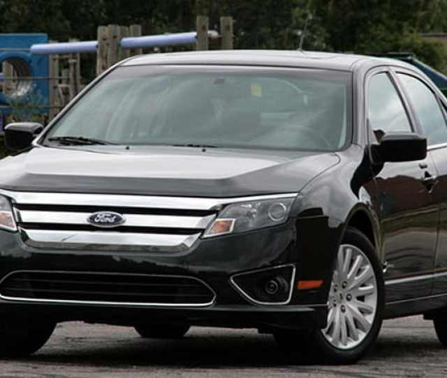 Review  Ford Fusion Hybrid What A Difference  Degrees Makes