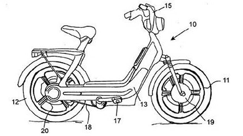 Piaggio files patent for a two-wheel-drive electric moped