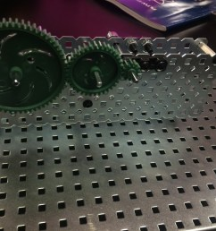simple gear train with idler [ 1024 x 768 Pixel ]