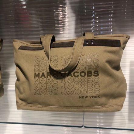 Marc Jacobs 帆布