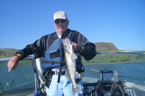 Catching walleye on Cheyenne River, SD