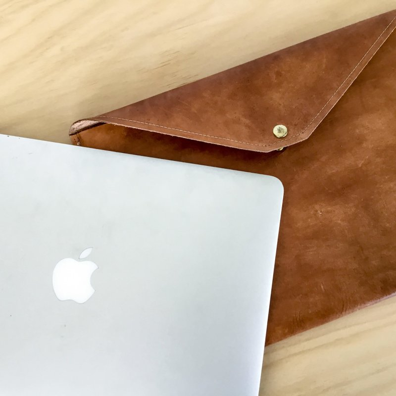 Oak & Hide Leather Laptop Case