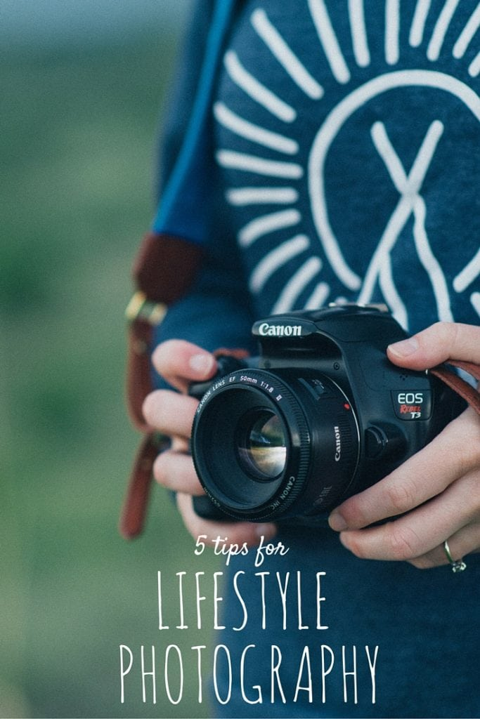 5 Tips for Lifestyle Photography! These tips are so great for anyone who wants to get better at capturing the real moments and the everyday! #phototips