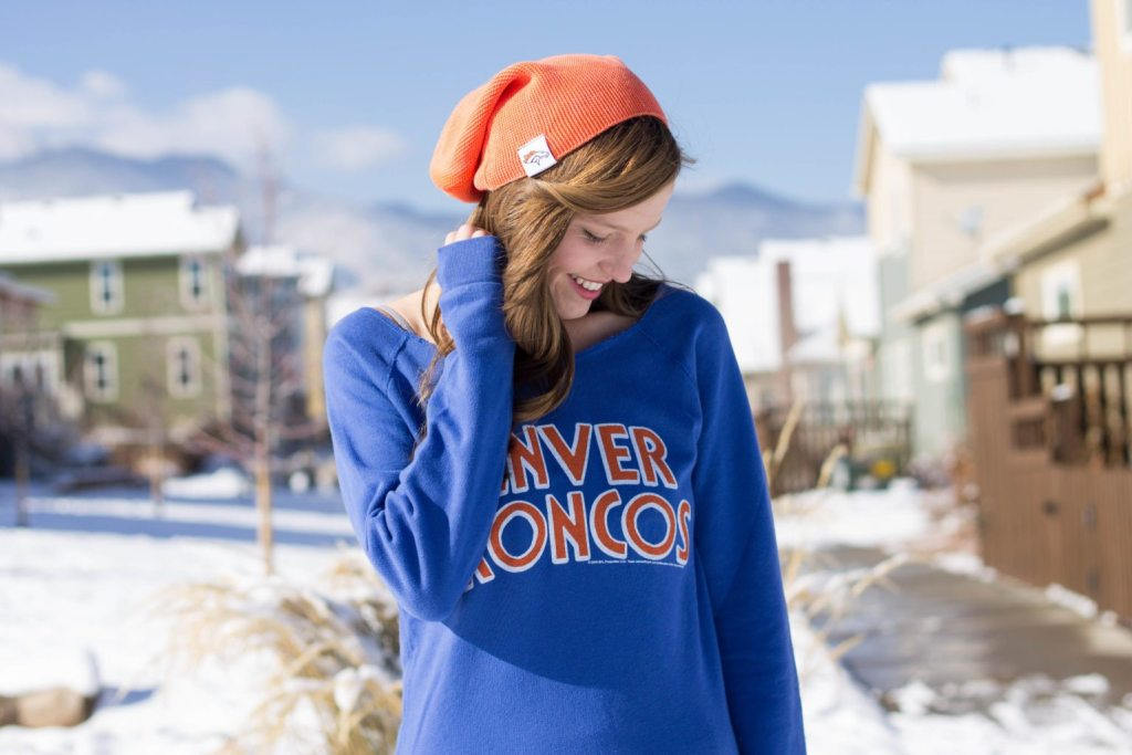 I'm so in love with this Denver Broncos outfit! Perfect for snowy days and the playoffs!! Pinning now for style inspiration #Goals #MyNFLFanStyle #CleverGirls