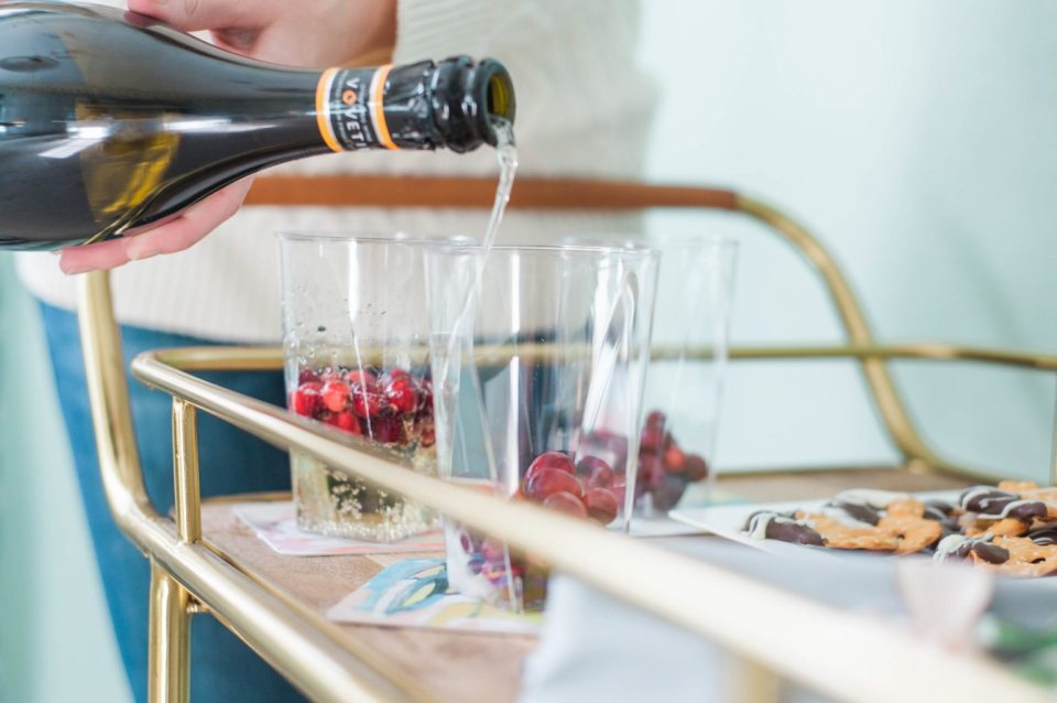 How to Host a Happy Hour at home. (click through for more!)