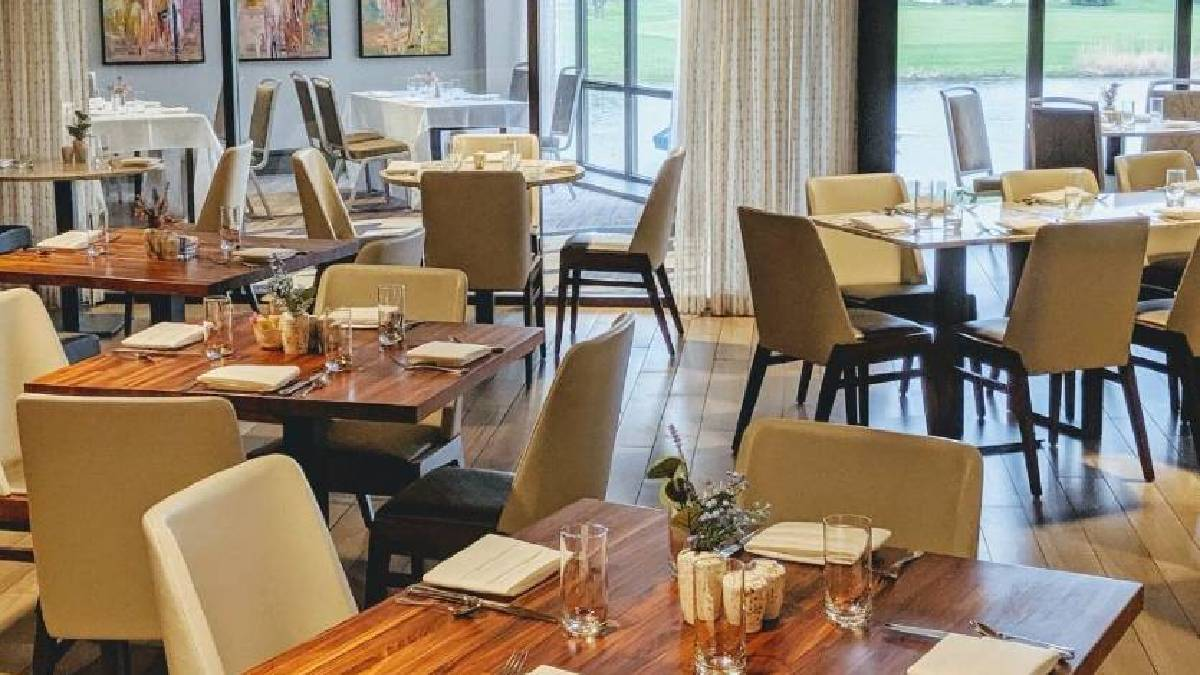 B Restaurant at Chicago Oak Brook Hills Resort