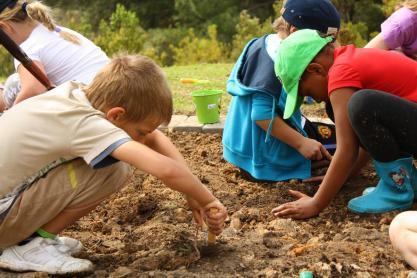 Grade-1-Gardening-Outing (12)