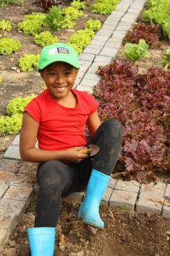 Grade-1-Gardening-Outing (20)