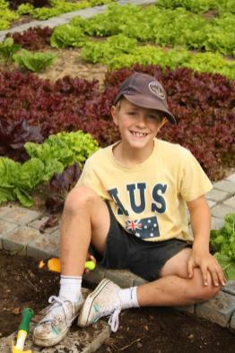 Grade-1-Gardening-Outing (22)