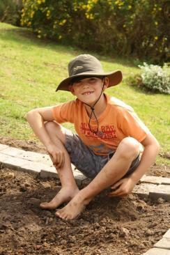 Grade-1-Gardening-Outing (33)