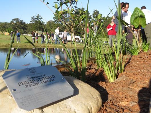 Phil-Stewart-Memorial-Garden (3)
