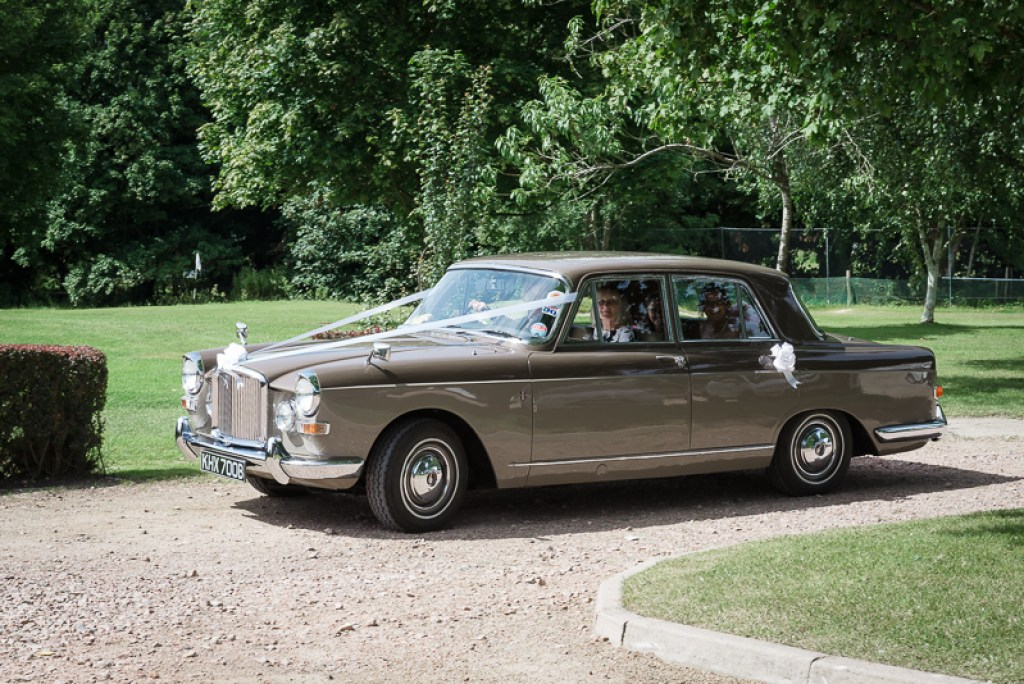 Sevenoaks Vintage Wedding Car | Oakhouse Photography