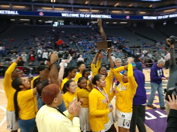 Oakland Tech Girls Win