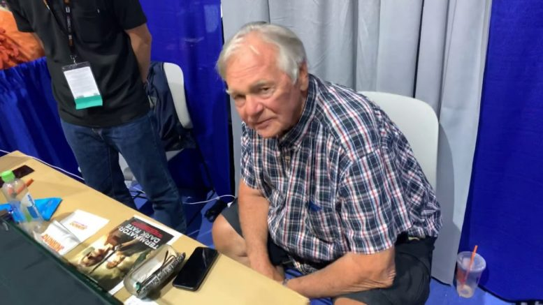 ‪san Diego Comic Con 2019 – Gary Lockwood From 2001 A Space Odyssey