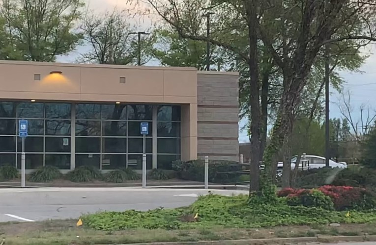 Bank Of America Fayetteville Ga Practices Social Distancing
