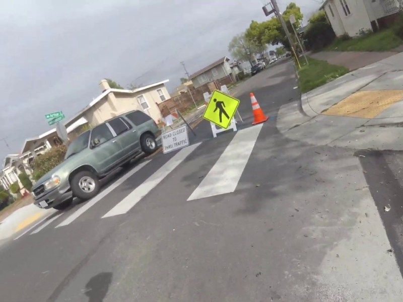 """SF Bay Area Bicycle's """"Bike Oakland"""" Tries Oakland Slow Streets In East Oakland"""