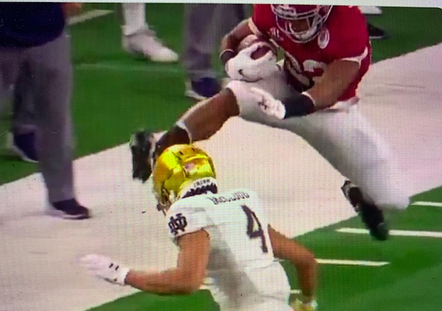 Najee Harris Jumps Into 2021 NFL Draft 1st Round With Leap Over Notre Dame In Rose Bowl