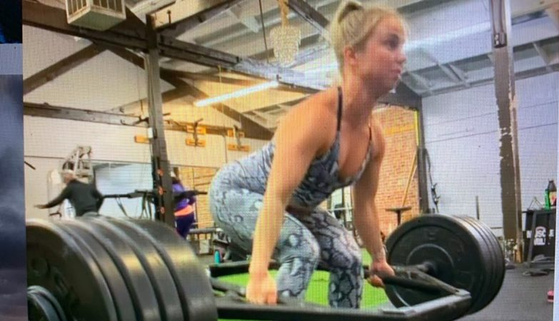 Is @MsLinak On Instagram The Strongest Woman In Oakland With This 300 Lbs Deadlift?