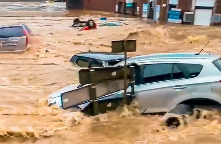 Dramatic video! Craziest Flood in Germany (July 15, 2021)