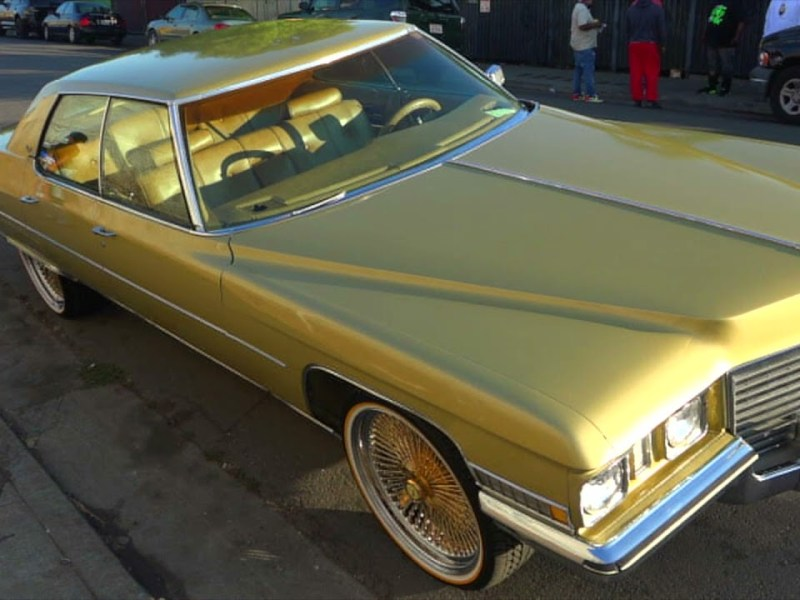 Cadillac Sedan Deville on 22″ Gold Zeniths & Vogues from Oakland, Ca EP131