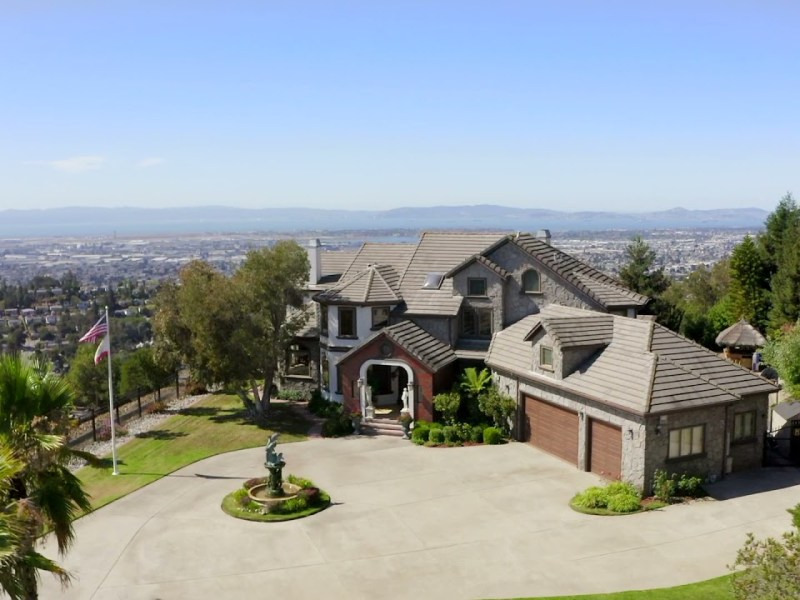 13775 Campus Drive, Oakland: Presented by Robyn Mohr