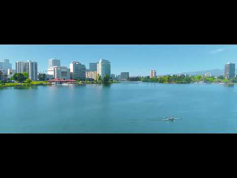 The Jewel of Oakland – An Aerial Cinematic View of Lake Merritt in 4K
