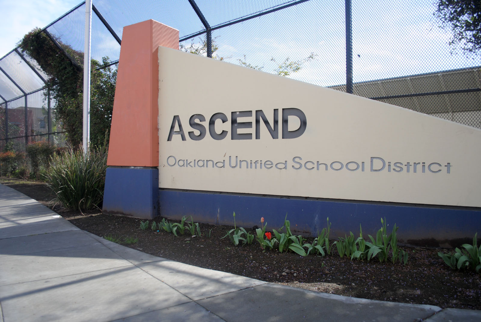 OUSD exploring partnership model in attempt to keep two schools close to the district