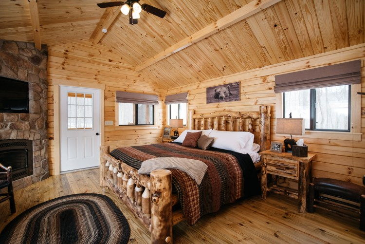 Cabin #2 King Bed