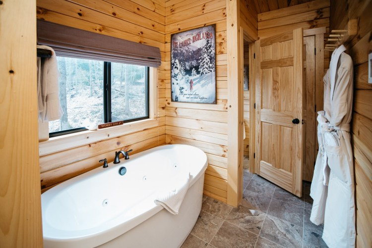 Cabin #13 Tub