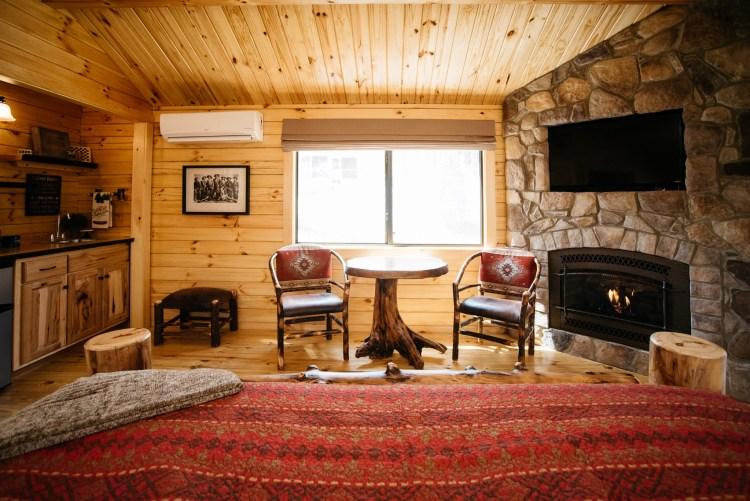 Cabin #4 Dinette