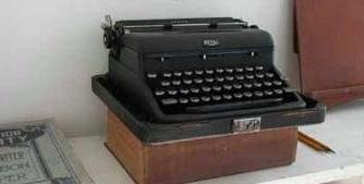 ernest-hemingway-typewriter1