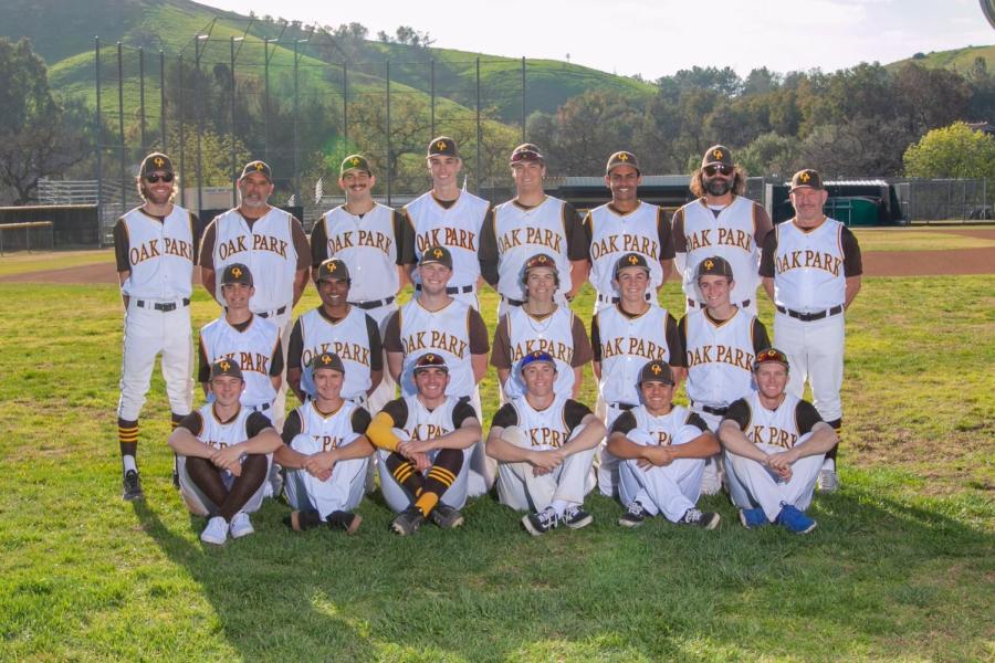 Boys%27+varsity+baseball+team+is+excited+for+next+season.