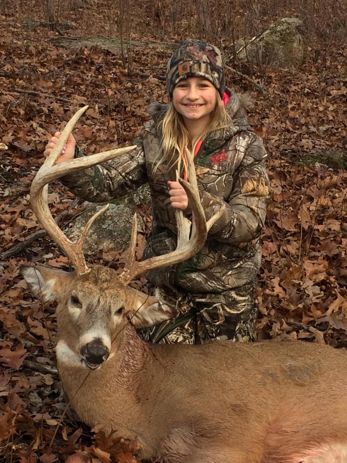 Whitetail Deer hunting lodge (2)