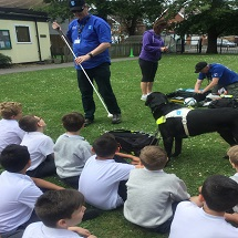 guide-dogs-visit-kingfishers-2