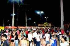 Cerca mil pessoas passaram pela Praça Hugo Poli, no último final de semana para prestigiar a Feira de Economia Criativa