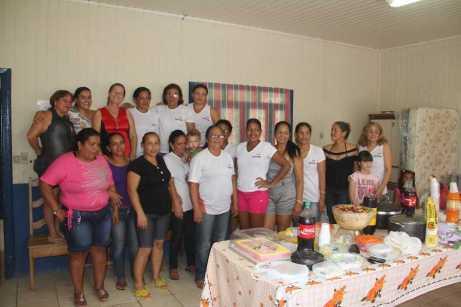 Participantes do curso de corte e costura realizaram uma festa de confraternização - Foto: Alexandre Lima