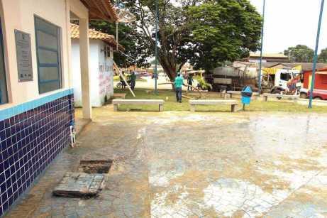Limpeza de fossa e operaão tapa buracos fotos Wesley Cardoso (2)