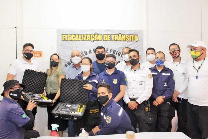 Álcool zero vai voltar: Estado entrega novos bafômetros a agentes do Detran