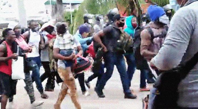 Imigrantes que 'invadiram' Peru estão sendo presos pela polícia do País