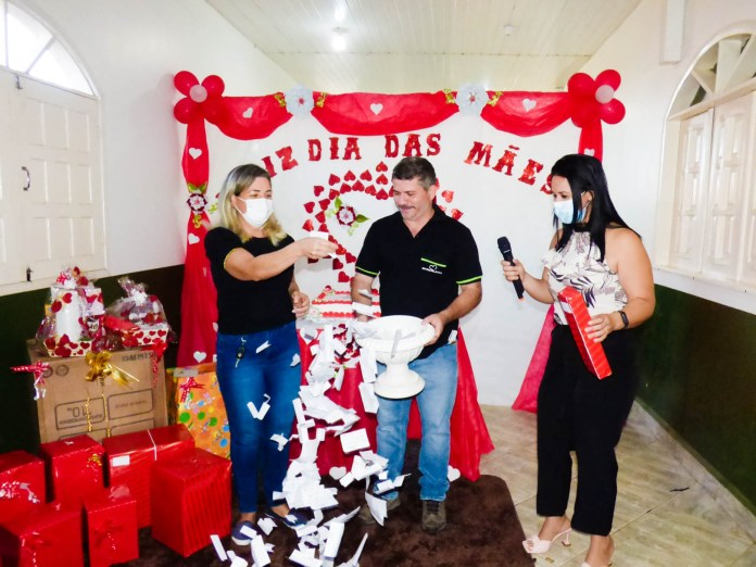 Prefeitura homenageia as mães com live e sorteio de prêmios