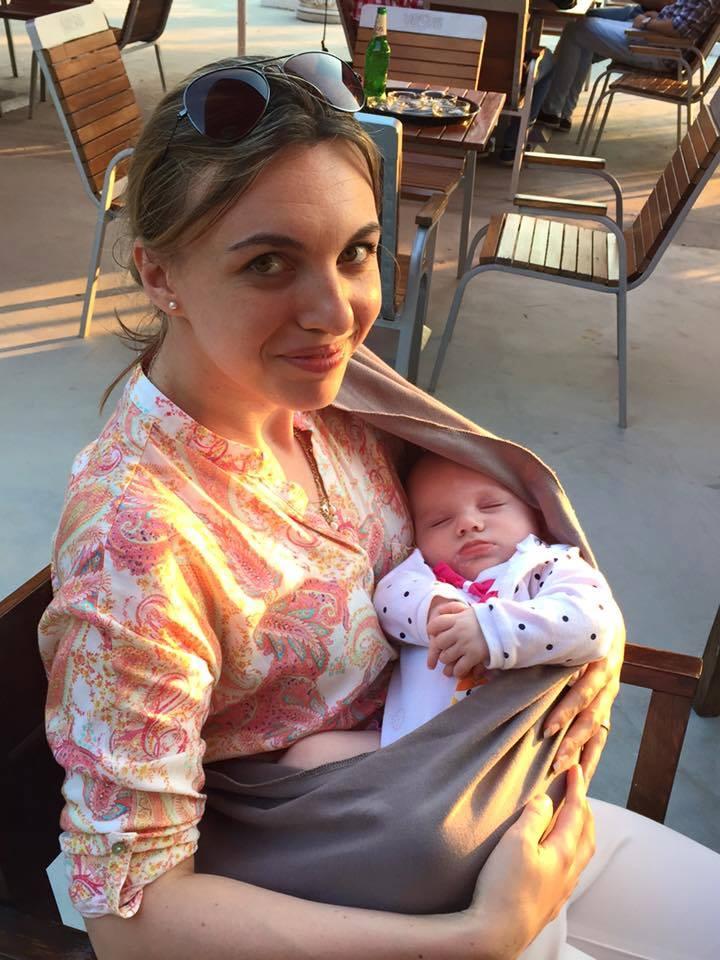 #MamaInAltaTara. Ce a invatat Andrada despre parenting in Elvetia