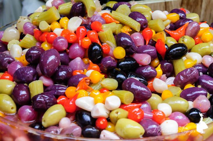 Mercado Municipal olives