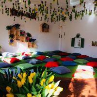 """""""Ne-serbare"""" de 8 martie: în loc de poezii - flori, prosecco și zgândăriri de inimi"""