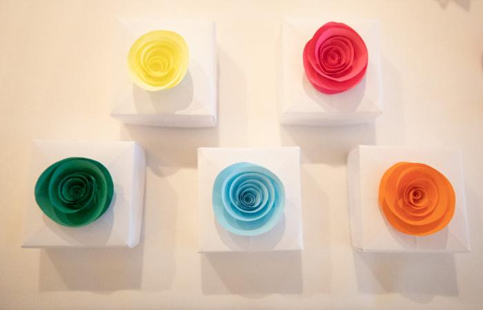 How to Fold a Paper Rose (with Pictures) - wikiHow | 449x700