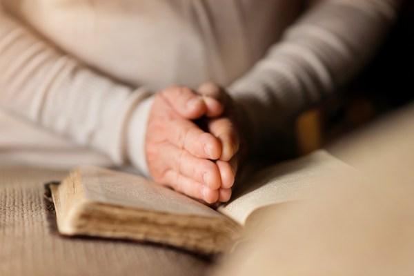 Spirituality and death - Praying