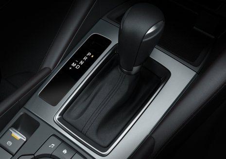 2017-Mazda6_Detail_6AT-#09_lowres