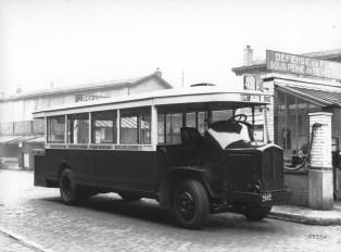 40 cv autobus paryski